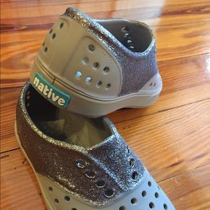 Native Miller Glitter Toddler Shoes NWOT